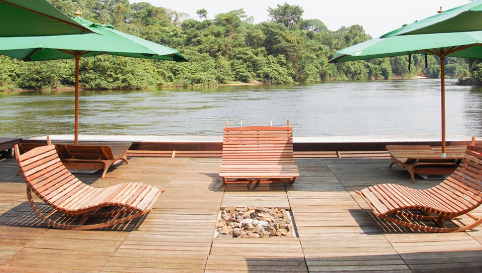 Floating deck with views to the river - Photo by Jorge Lopes