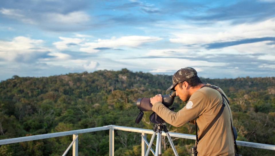 Observing wildlife at the top of the Canopy Tower - Photo by Samuel Melim